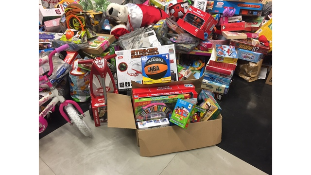 PHOTOS: Lowcountry residents donate to Toys for Tots