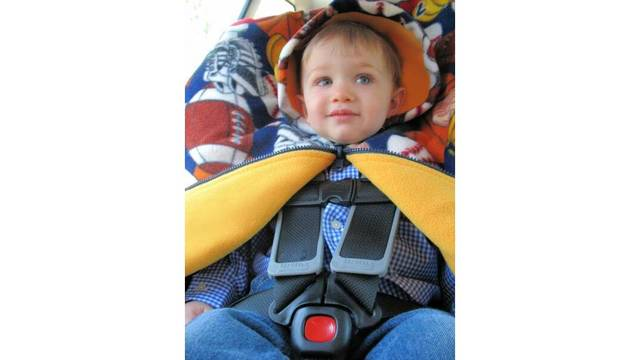 Keeping Your Kids Safe Warm With Car Seat Ponchos