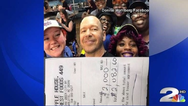 Donnie Wahlberg visits Waffle House, leaves whopping tip