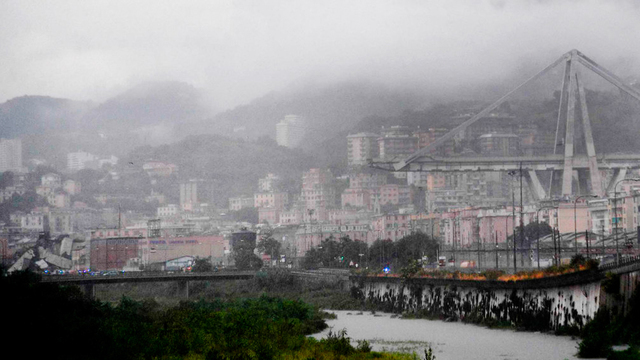 Cars plunge as highway bridge collapses in Italy; 20 dead