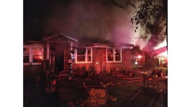 Emergency crews respond to house fire in Colleton Co.