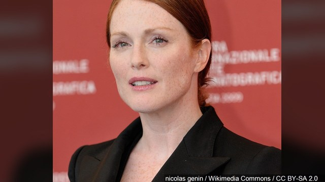 Casting call for extras in film starring Julianne Moore, Bette