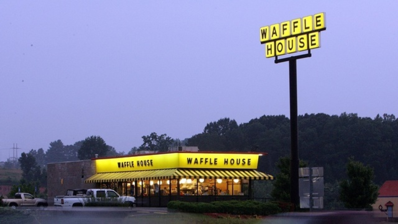 Waffle House Offering Romantic Valentine S Day Date Night