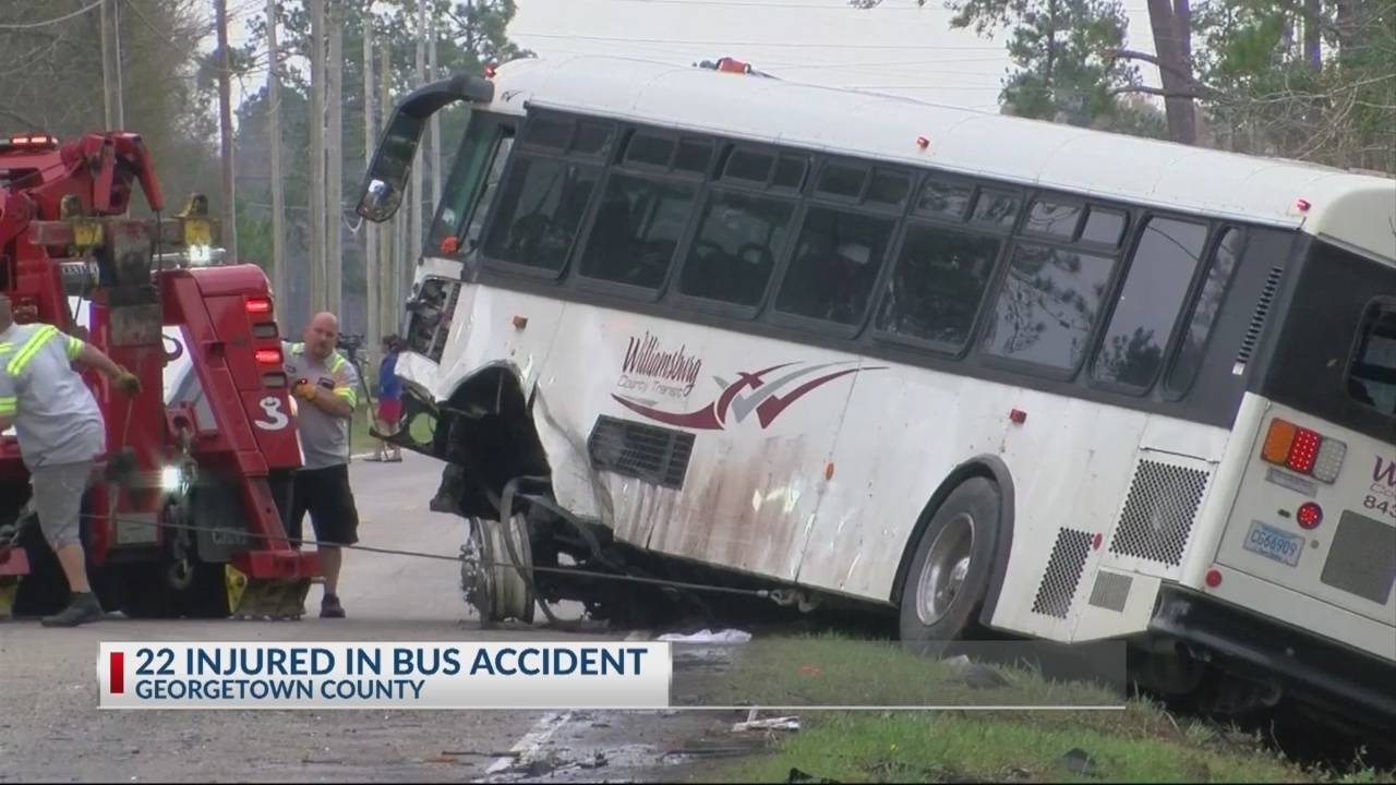 Over 20 people hurt in bus crash in Georgetown County